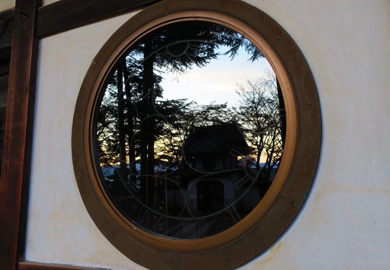 大慈寺の金剛力士像、千手院の四季桜
